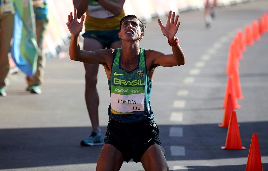 Suspenso por doping, Caio Bonfim se diz 'vítima de contaminação'