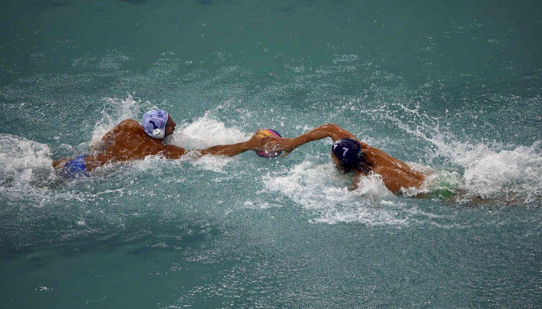 Polo aquático masculino brasileiro conhece primeira derrota