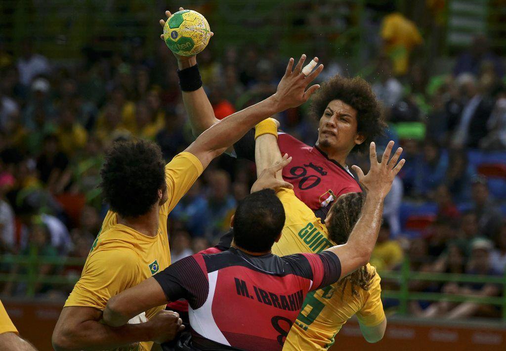 Brasil acorda no fim e busca empate dramático com o Egito