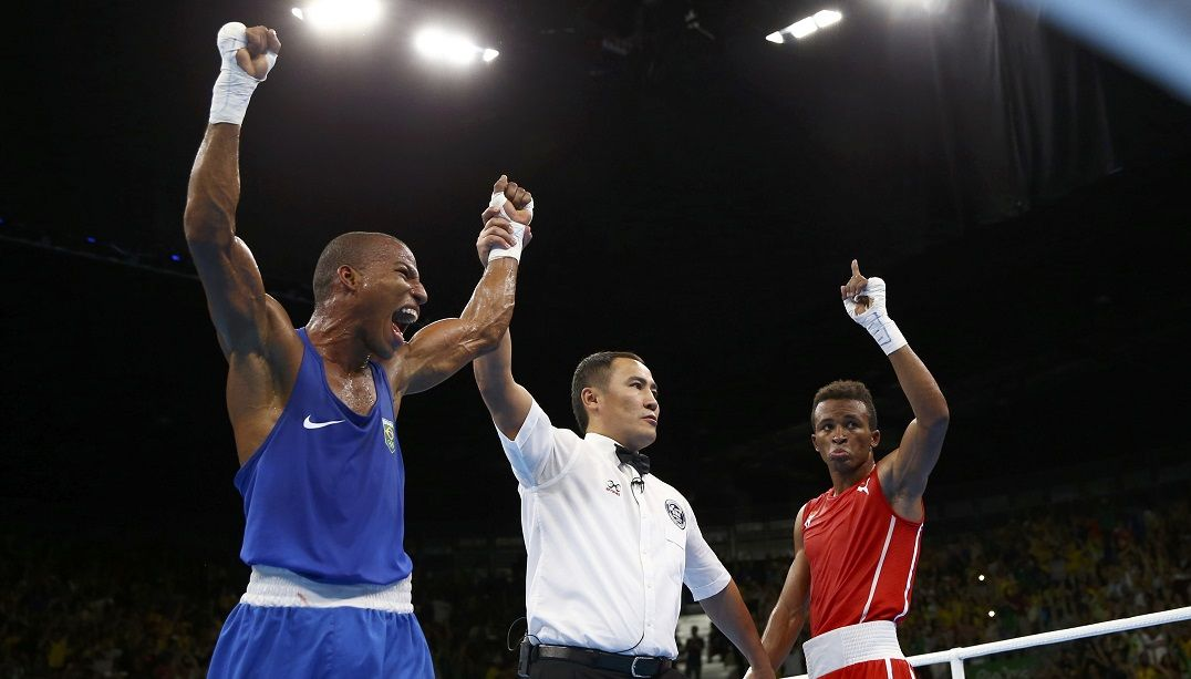 Robson Conceição vence líder do ranking e vai lutar pelo ouro