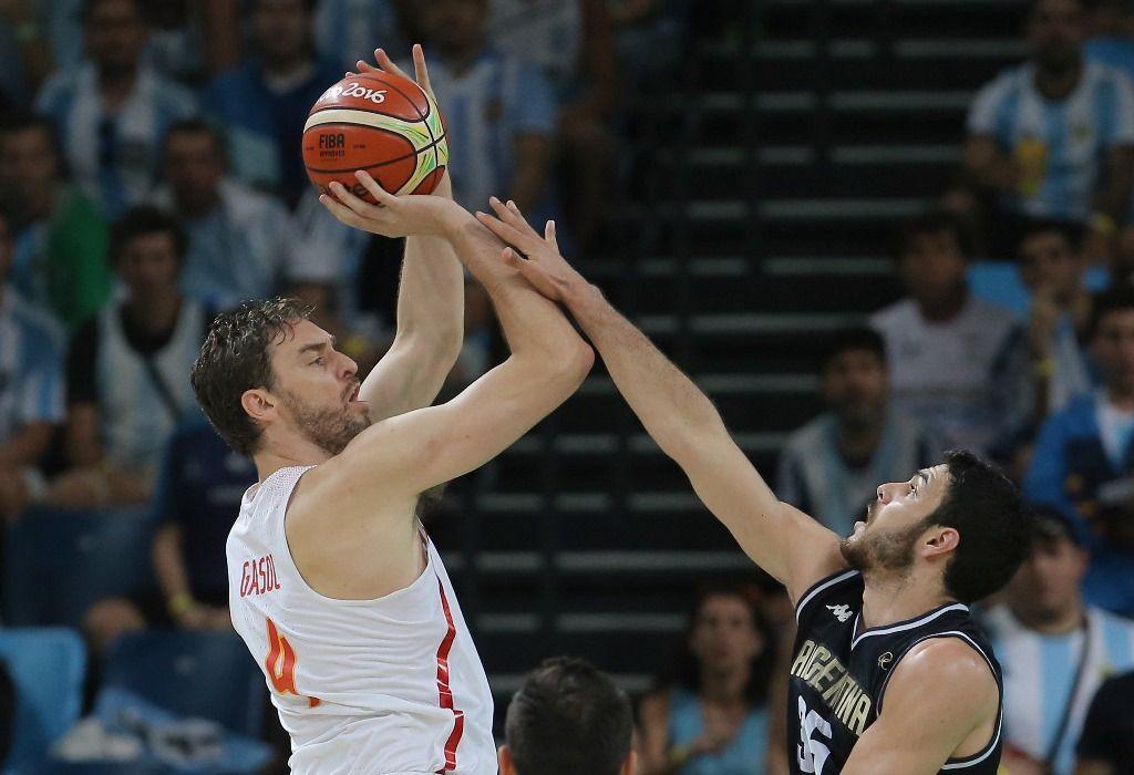 Espanha vence a Argentina e elimina o Brasil no basquete masculino