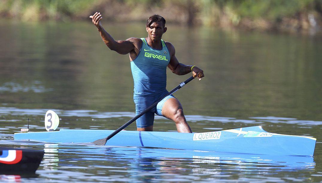 Isaquias Queiroz ganha bronze nos 200 metros da canoagem de velocidade