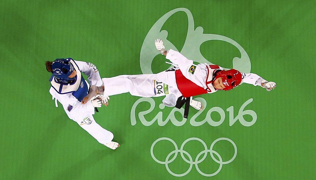 Brasileiros estreiam com vitória no taekwondo