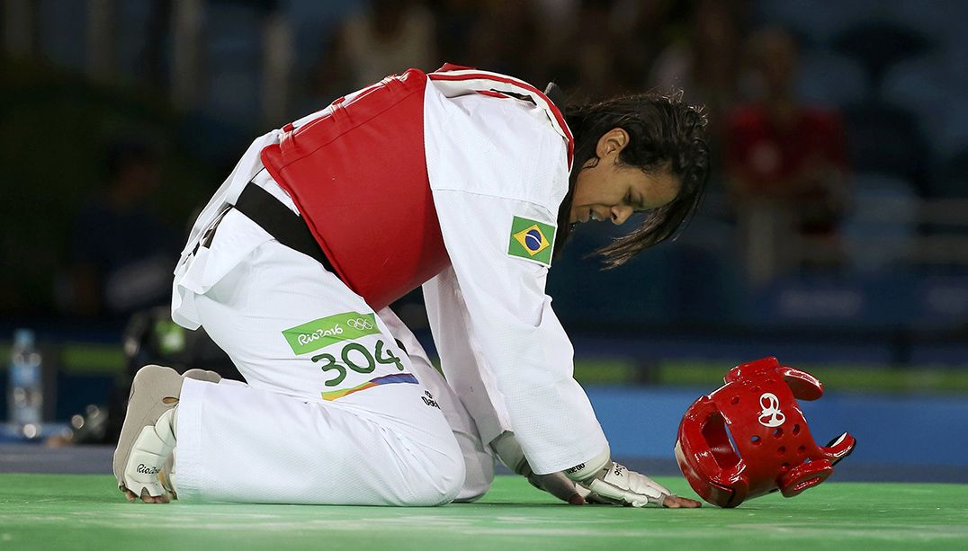Julia perde na estreia do taekwondo