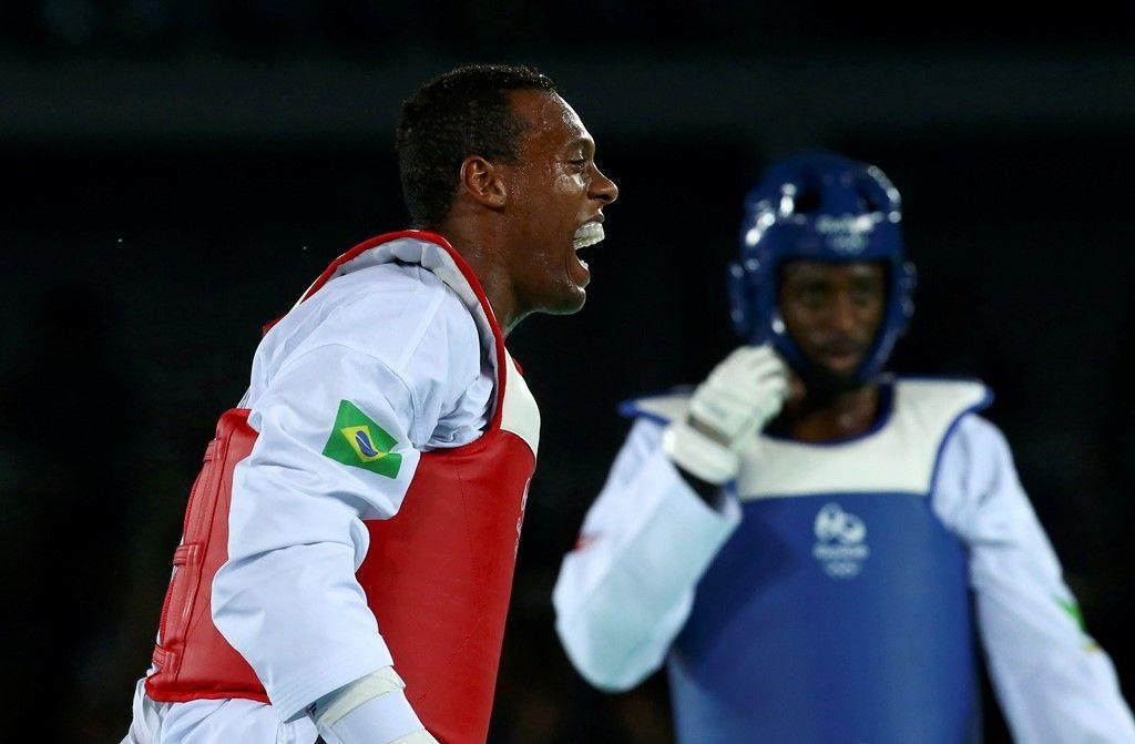 Maicon Siqueira surpreende e conquista o bronze no taekwondo