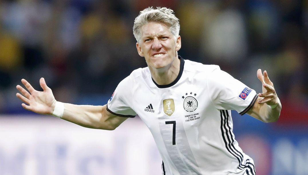 Schweinsteiger descarta defender outro time da Europa
