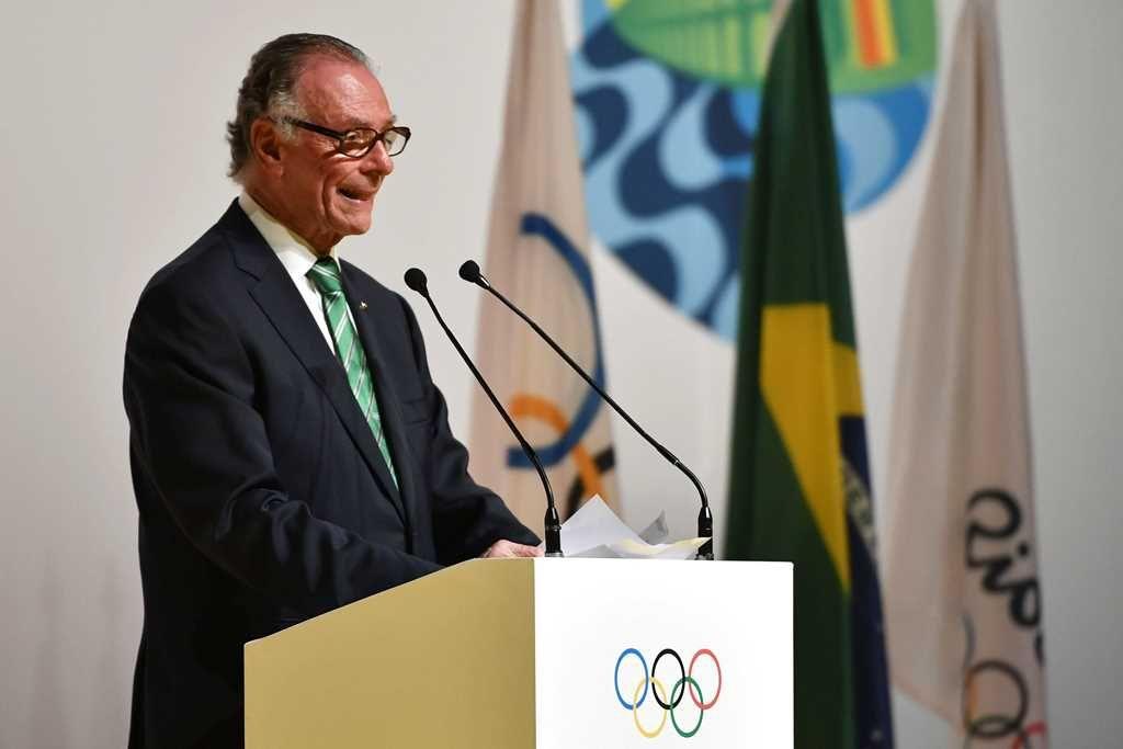 Cabral e Nuzman teriam viajado para comprar votos para Rio-2016