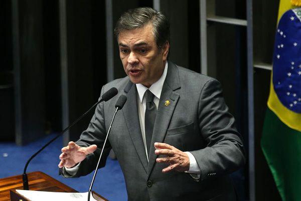 Senadores calculam 60 votos contra Dilma