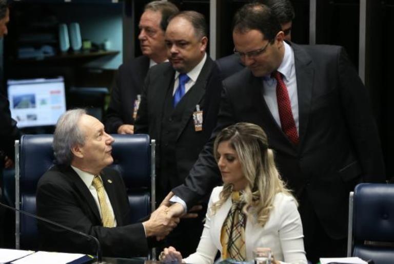 Ex-ministro da Fazenda reafirma legalidade em atos de Dilma