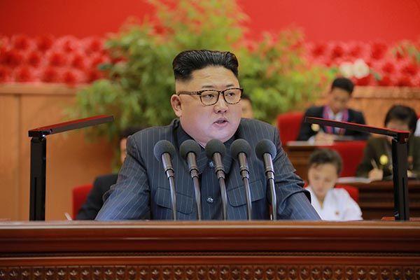 Coreia do Norte mata oficiais com arma antiaérea, diz jornal