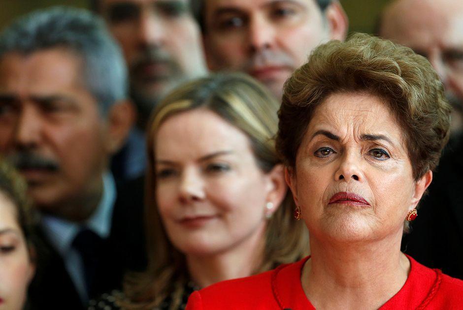 Se Dilma quiser se candidatar, a Justi�a de 1� grau poder� enquadr�-la na Lei Ficha Limpa / Bruno Kelly/Reuters