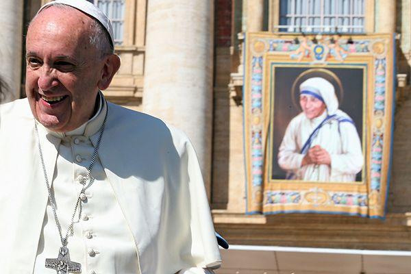 Iniciativa também ajudará as obras de caridade do Santo Padre / Stefano Rellandini/Reuters