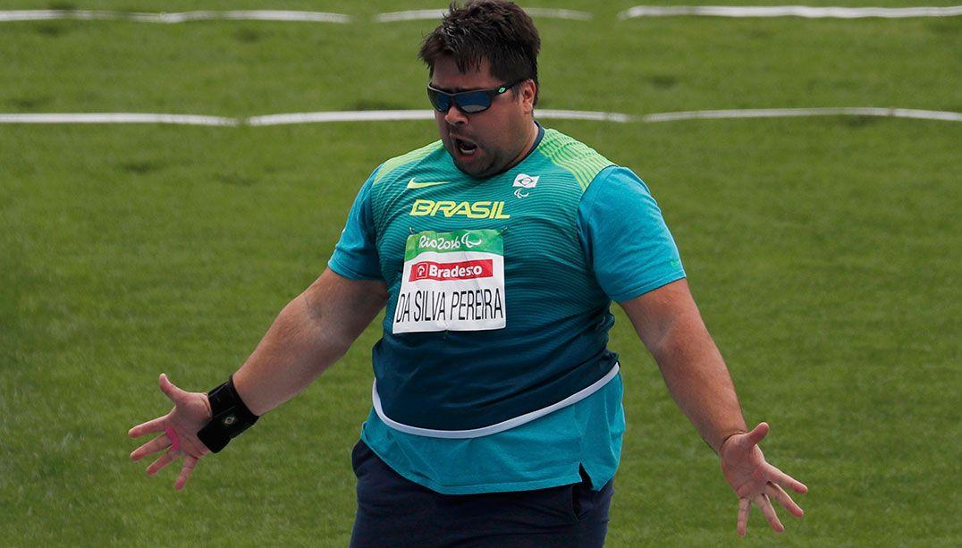 Caio Pereira leva o bronze no arremesso de peso