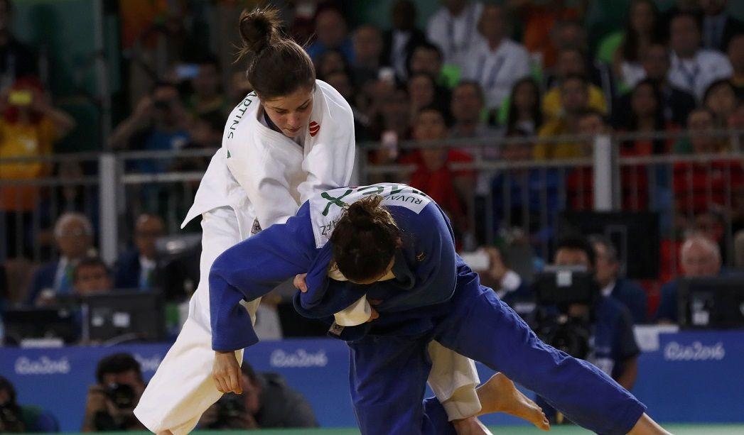 Alana Maldonado perde decisão e fica com a prata no judô