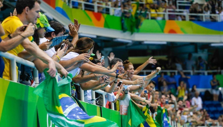 Prestadores de serviço denunciam calote do Comitê Rio 2016