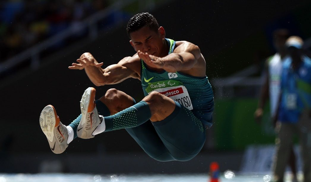 Mateus Evangelista é prata no salto em distância