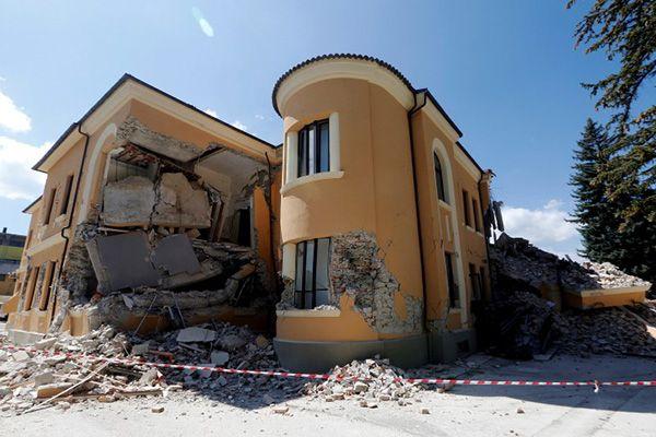 Após 1 ano, novo terremoto assusta Amatrice