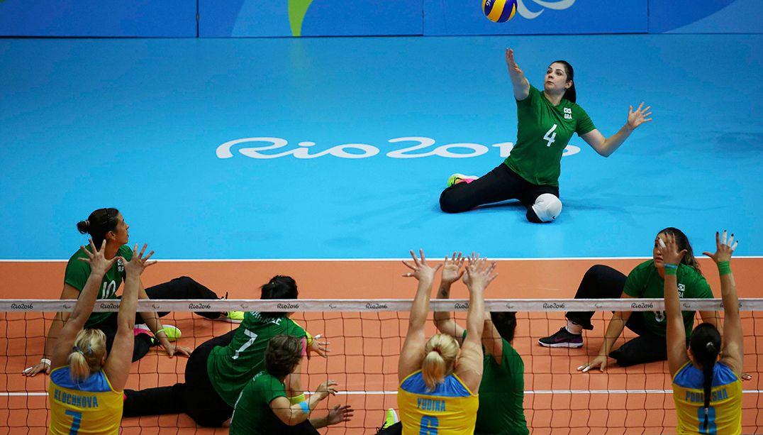 Seleção brasileira feminina conquista bronze no vôlei sentado