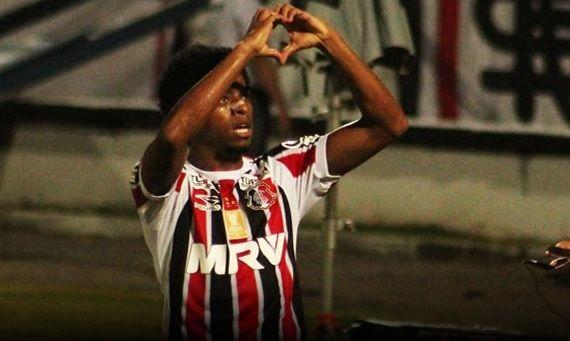 Santos ganha rivais na briga por Keno