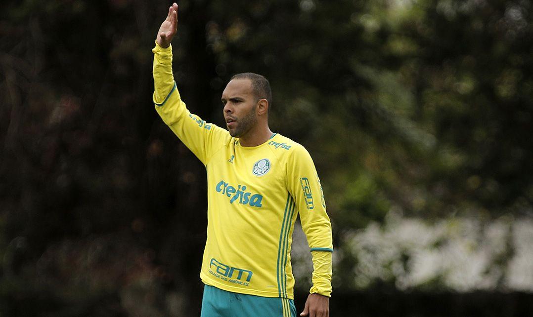Palmeiras terá retorno de Alecsandro na Copa do Brasil
