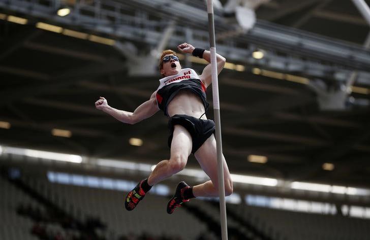 Atleta evita de punição por doping após culpar prostituta