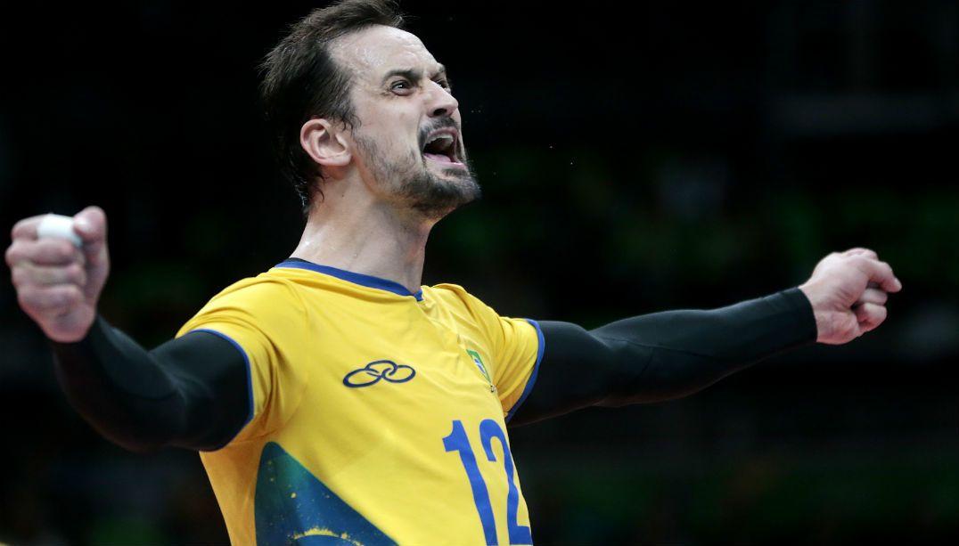Destaque em ouro olímpico, Lipe vai jogar em clube turco