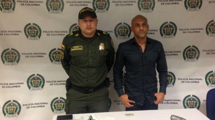 Ex-lateral da Colômbia é preso com 1kg de cocaína na cueca