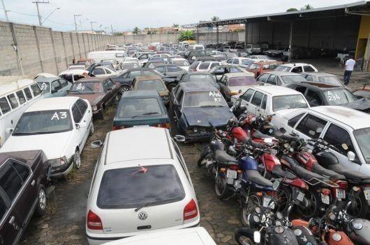 A diária para os automóveis ficarem nos depósitos passou de R$ 62,01 para R$ 68,14 / Reprodução