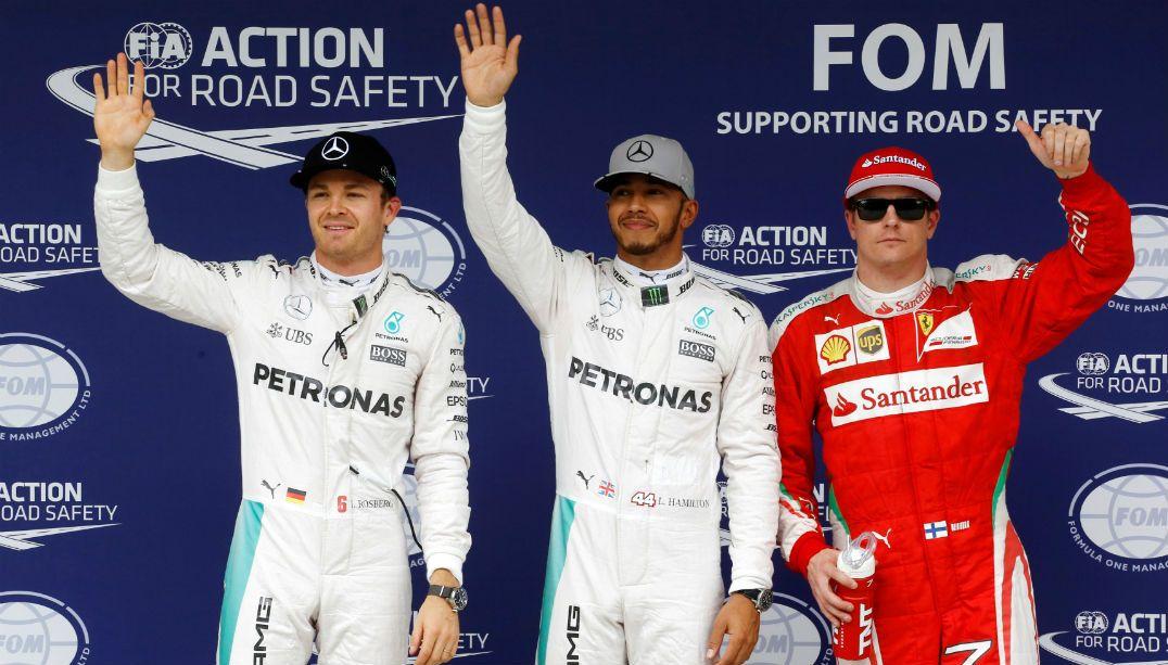 Hamilton fez a pole, com Rosberg em segundo e Raikkonen em terceiro / Nacho Doce/Reuters
