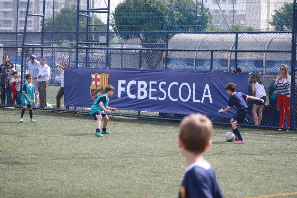 1d59016aa43ea Escola de futebol do Barcelona abre vagas para brasileiros ...