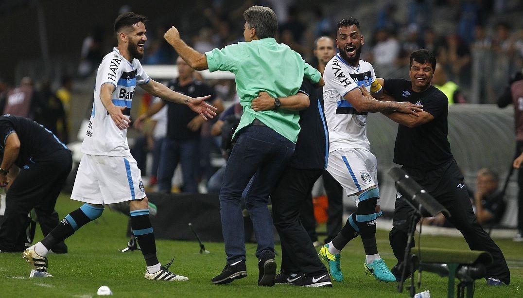 Renato Gaúcho exalta vitória 'justa' do Grêmio, mas mantém a calma