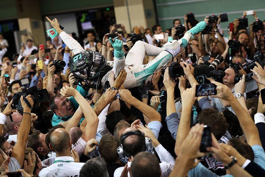 Rosberg chega em 2º em Abu Dhabi e fatura título inédito da F1