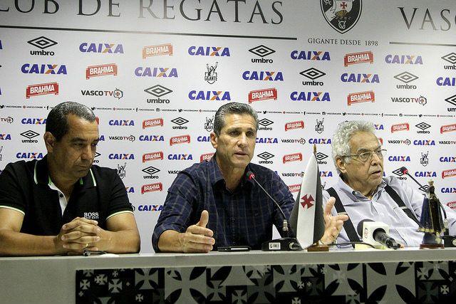 Eurico anuncia saída de Jorginho do Vasco