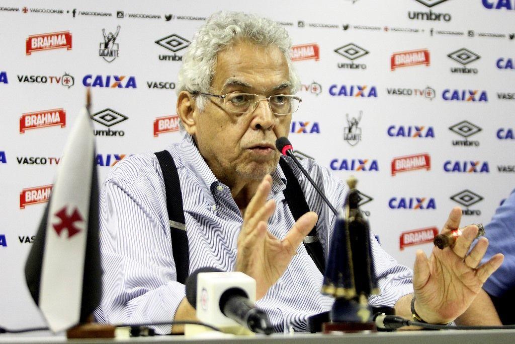 O Vasco precisa de mim, diz Eurico Miranda