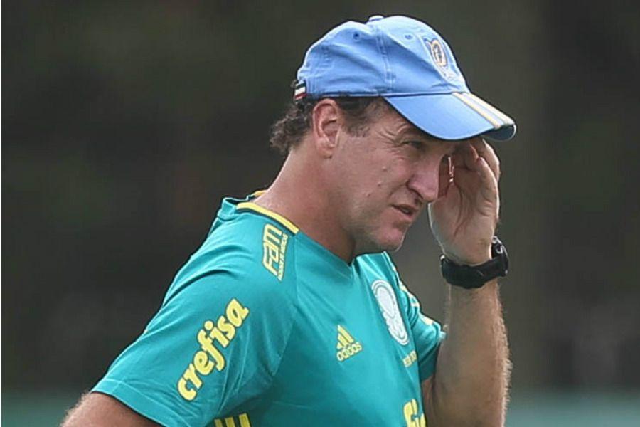 Palmeiras oficializa saída de Cuca