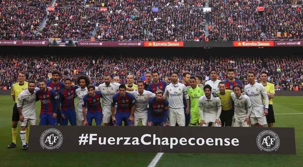 Barça e Real homenageiam a Chape antes do clássico