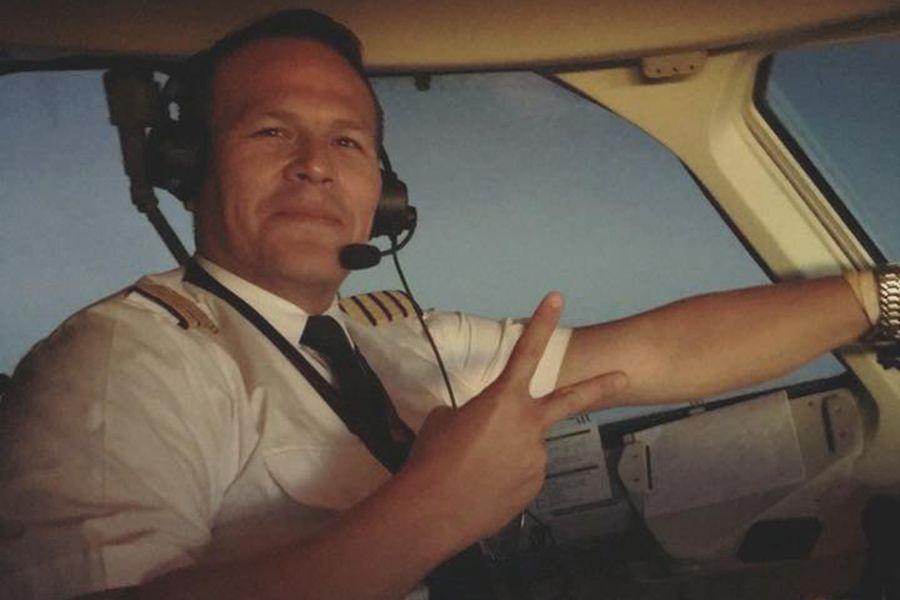 Comissária sai em defesa de piloto boliviano
