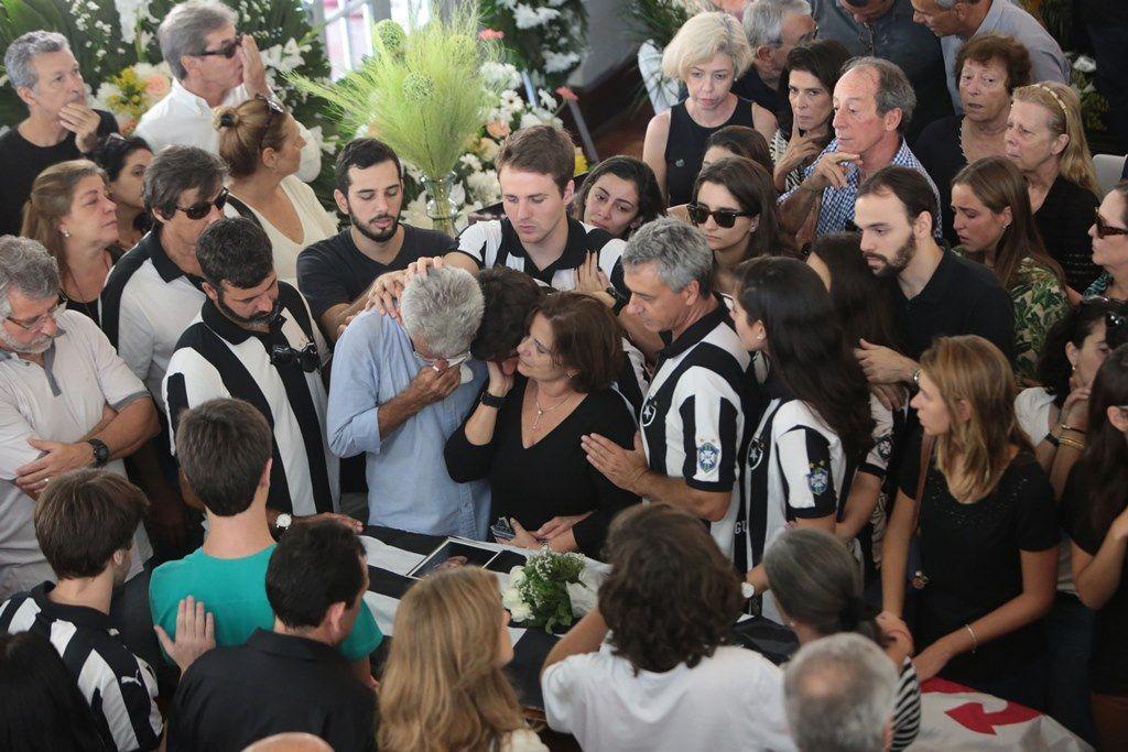Jornalistas são velados em São Paulo, Rio e Floripa