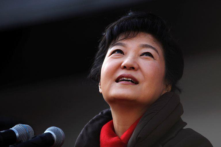 Ex-presidente da Coreia do Sul é interrogada na prisão