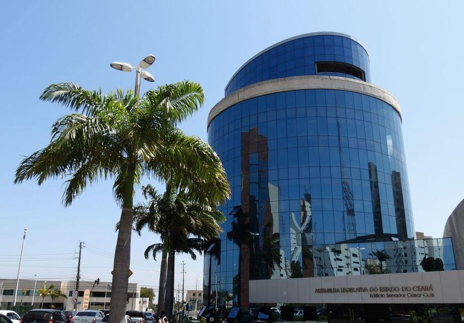CE: MP investiga contratação de funcionários na Assembleia