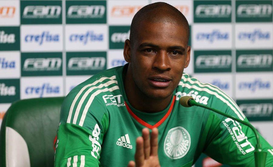 Lesão rara de Jailson faz Palmeiras consultar especialista da NFL