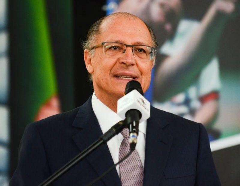 Alckmin espera universalizar tratamento de esgoto