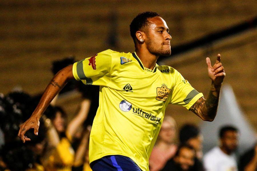 Neymar liderou o time Ousadia no amistoso - Ale Vianna/Eleven/Estadão Conteúdo