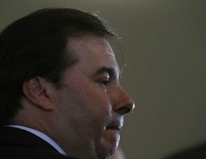 Juiz proíbe candidatura de Rodrigo Maia à reeleição na Câmara