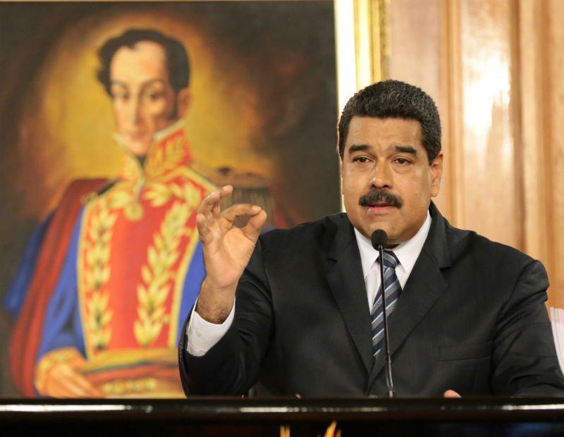 Maduro decide aumentar salário mínimo na Venezuela em 50%