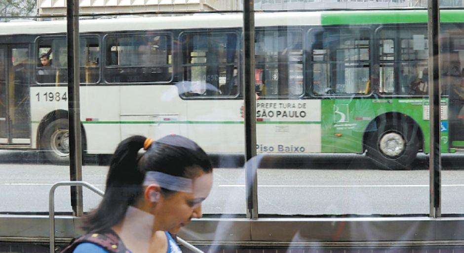 Justiça determina funcionamento mínimo dos ônibus em SP