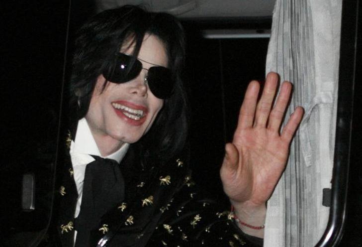 Episódio de série sobre Michael Jackson é cancelado após críticas