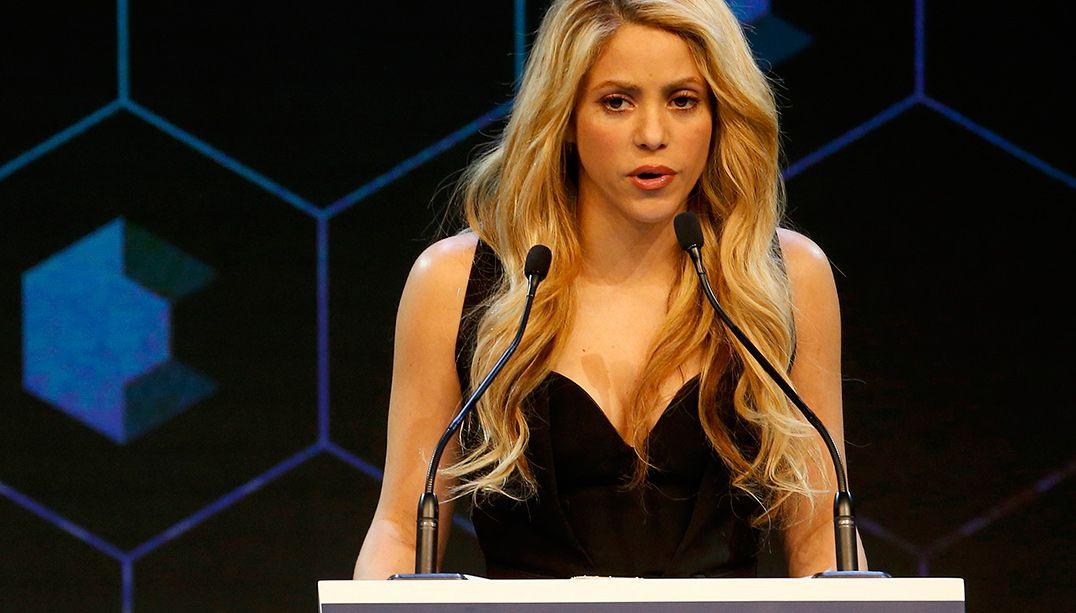 Shakira faz forte apelo pela educação das crianças