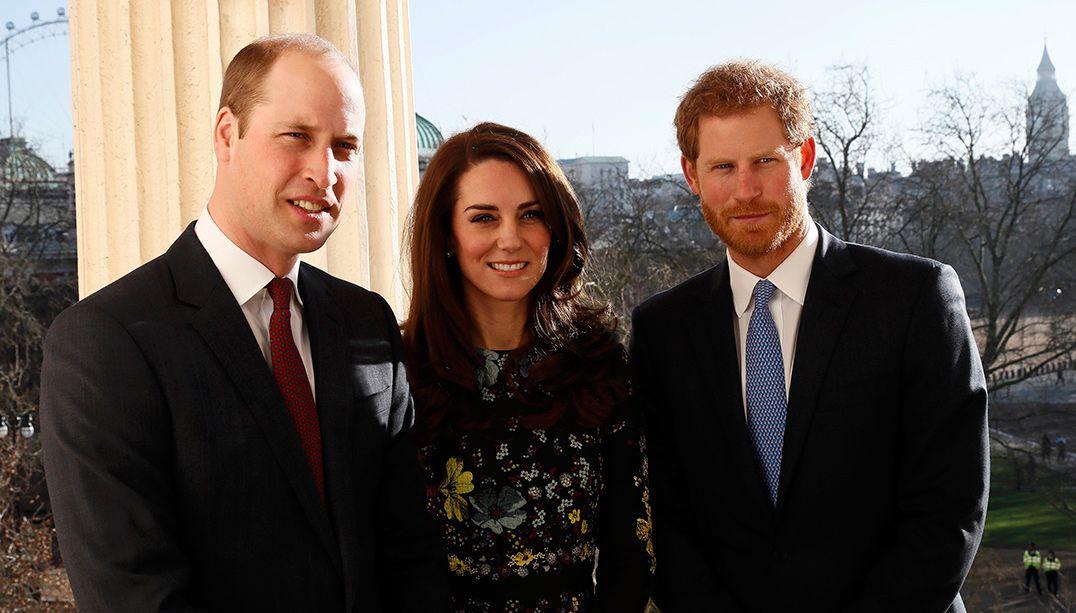 Príncipes William e Harry pedem mais conversas sobre saúde mental