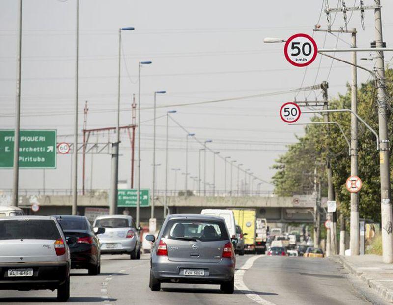 Justiça barra aumento de velocidade nas marginais